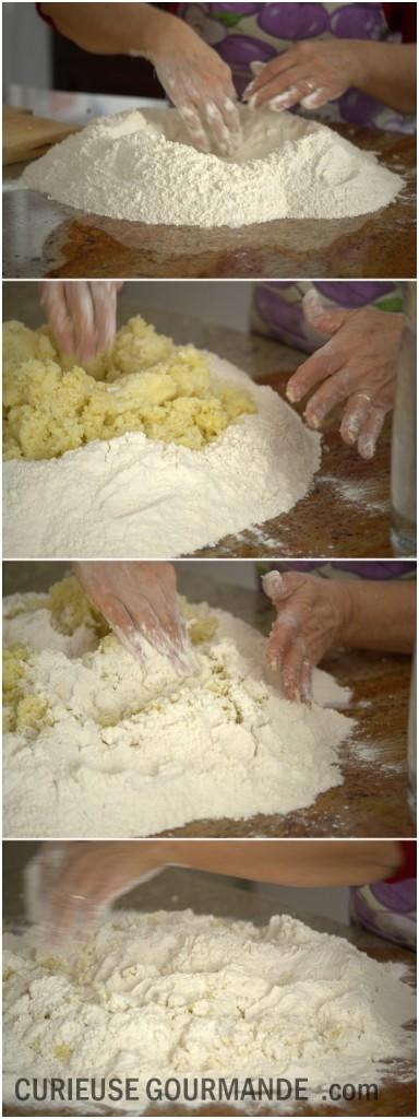 Mélanger la farine et les pommes de terre pour la pâte à gnocchis